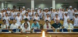 UP NURSES AND MIDWIVES PLEDGE AT NIGHTINGALE CEREMONY